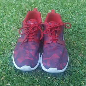 Nike Roshe Red Sneakers size 7Y / 8.5 women's
